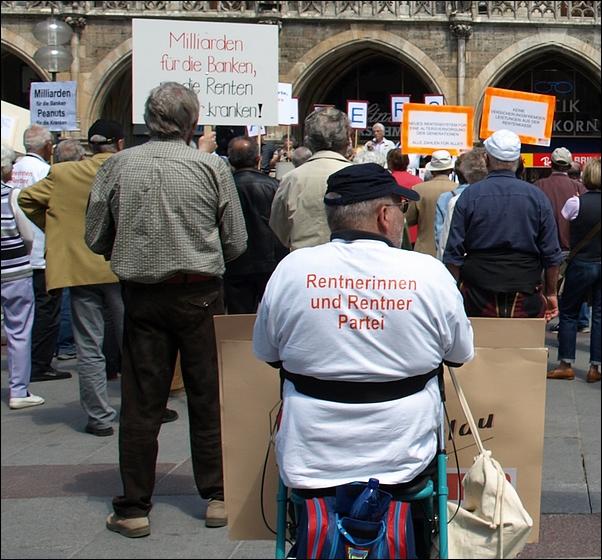 Manifestación del RentnerinenP und Rentneren Partei (Partido de las pensionistas y los pensionistas (