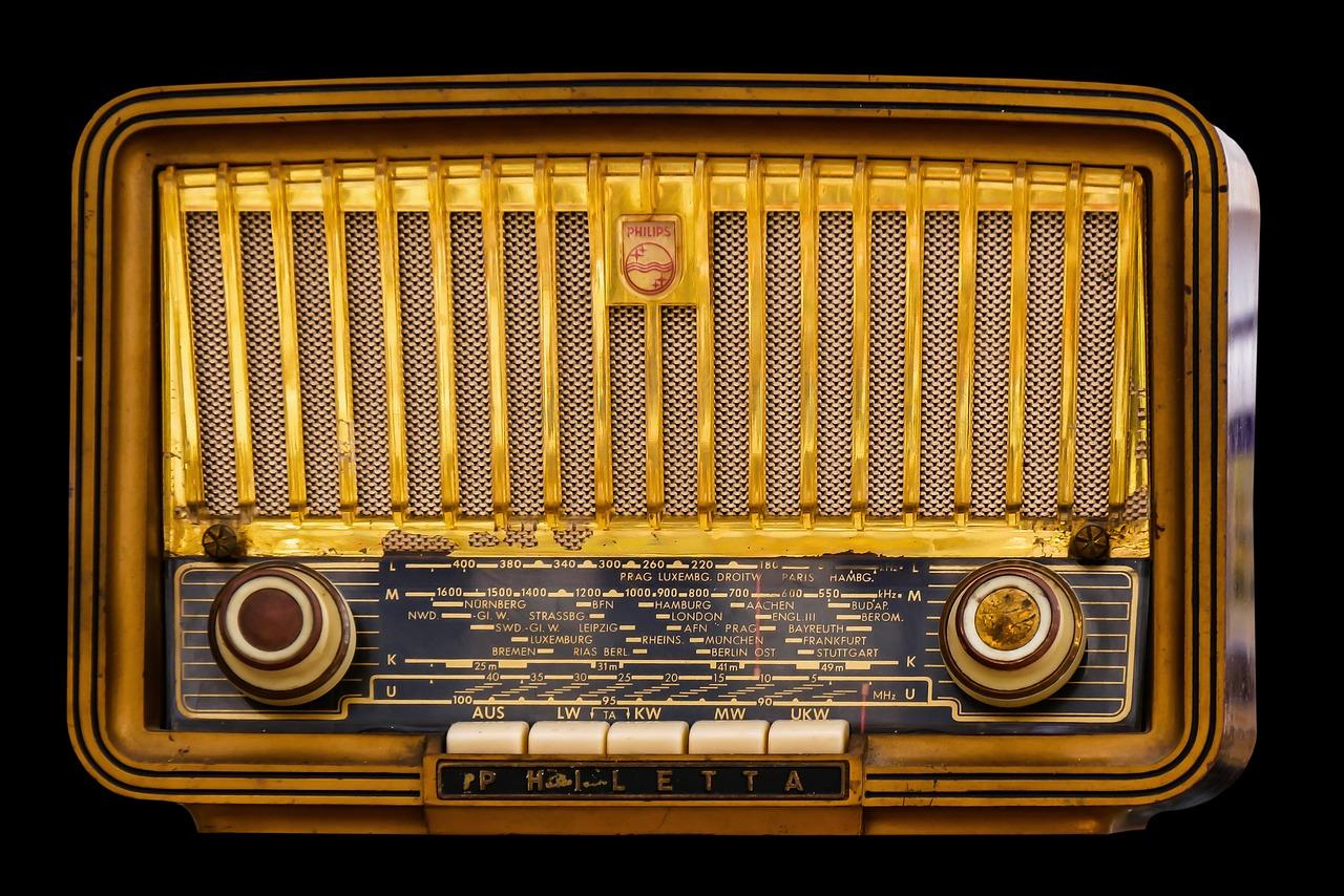 radio-1682531_1280